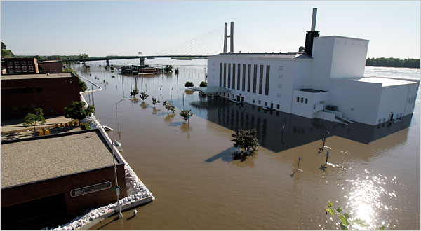 Mississippi R. flooding moves downstream.