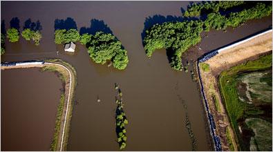 Mississippi flood coverage.